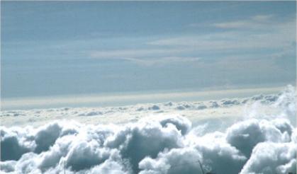 「 不畏浮雲遮望眼 , 自緣身在最高層 。 」